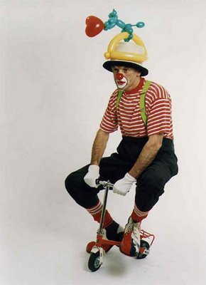 https://halfmanhalfbikekit.files.wordpress.com/2013/05/clown-bike.jpg